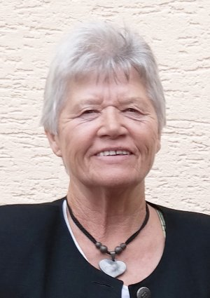 Portrait von Elfriede Derrer